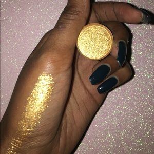 Other - SALE 💛Goal Digger Eyeshadow💛